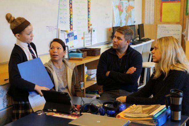Фото - 3 Ознаки, що вам пора поговорити з вчителями дитини