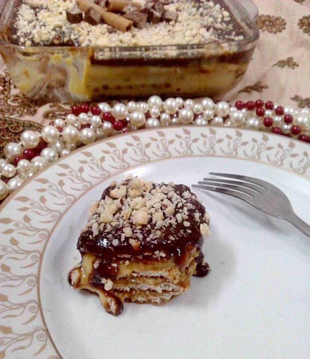 торт з печива без випічки зі згущеним молоком