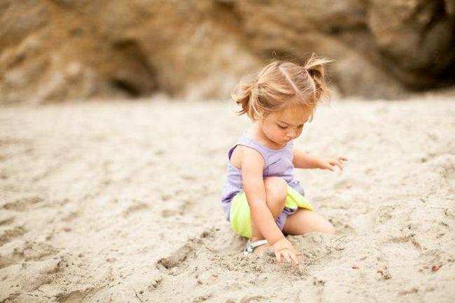 Фото - Чим зайняти дитину в 2 роки: ігри, мультики, віршики