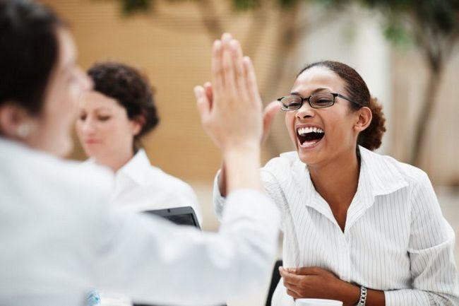 Фото - Дружні стосунки на роботі: 7 неписаних правил, які потрібно знати