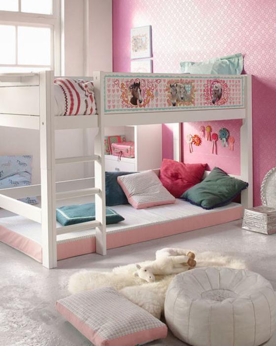 двох'ярусне ліжко для дівчаток