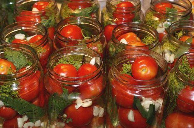 помідори в загадковому маринаді рецепт