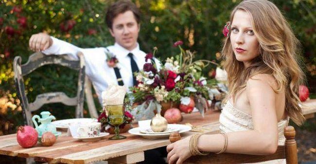 Фото - Гранатова весілля: подарунки подружжю