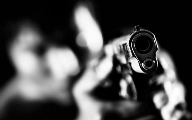 Фото - До чого сниться, що в тебе стріляють? Чого слід очікувати від такого сну?