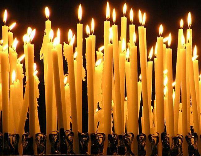 палаюча свічка уві сні