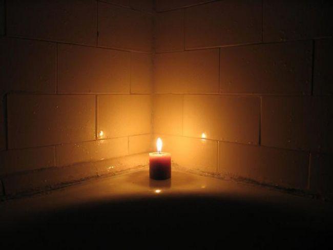 ставити свічку уві сні