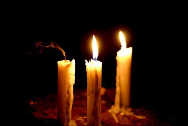 запалювати свічки у сні