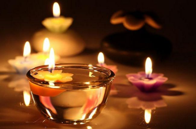 бачити уві сні свічки