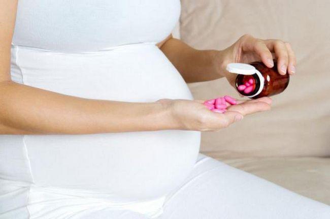 Фото - Як і скільки пити фолієву кислоту при вагітності? Фолієва кислота і вітамін е при вагітності