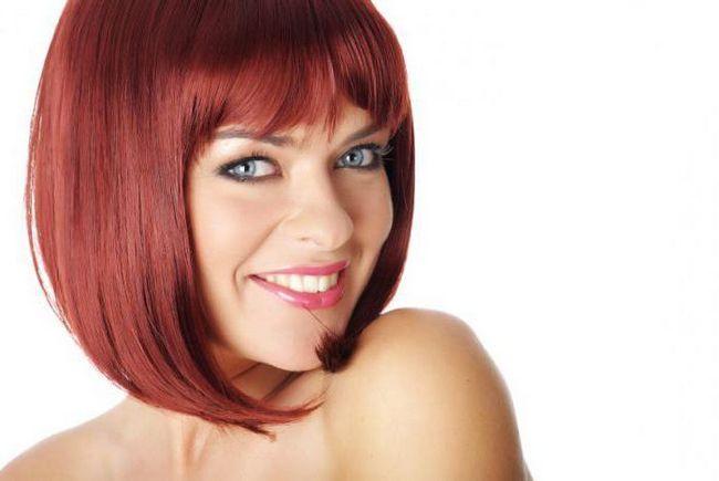 Фото - Як краще фарбувати волосся: на брудні або чисте волосся?