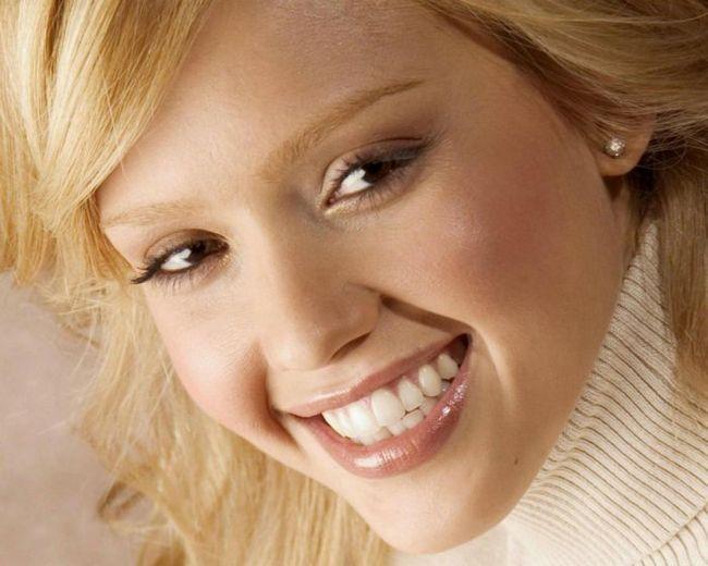 Фото - Як навчитися красиво і природно посміхатися?
