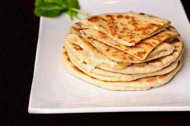 Фото - Як приготувати хачапурі по-Тбіліського за 5 хвилин? Хачапурі по-аджарський