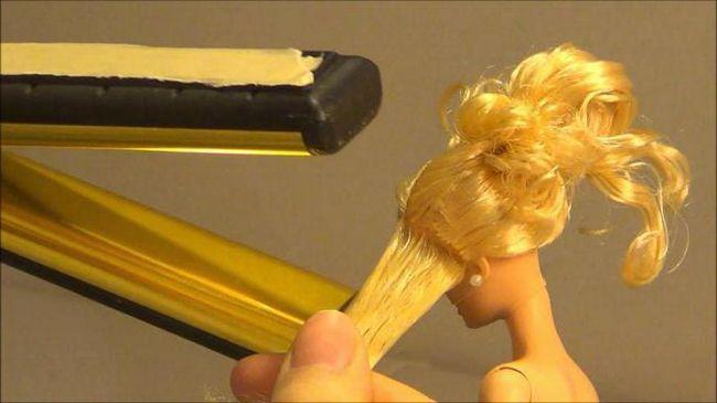 як випрямляти волосся ляльці