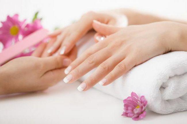 Фото - Який хороший гель для нарощування нігтів, поради щодо вибору.