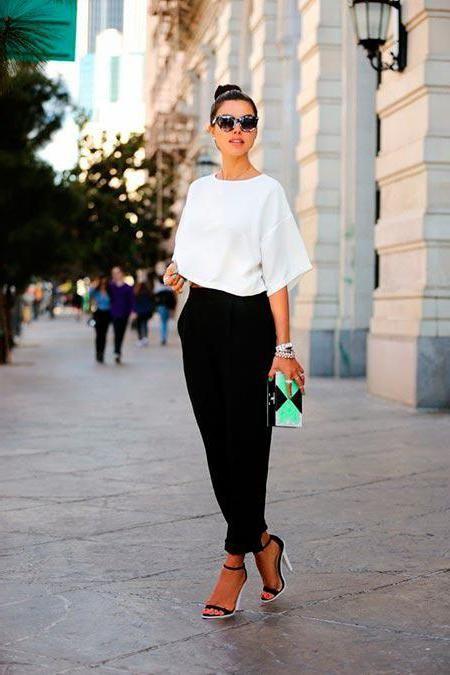 чорні брюки із завищеною талією