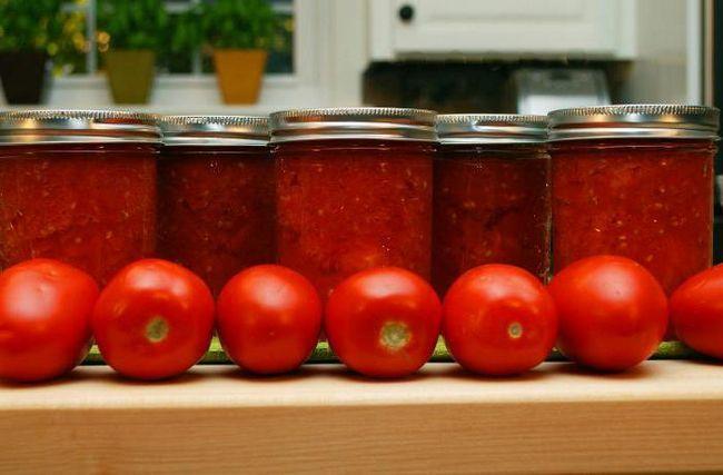Фото - Консервовані помідори з цибулею. Рецепти
