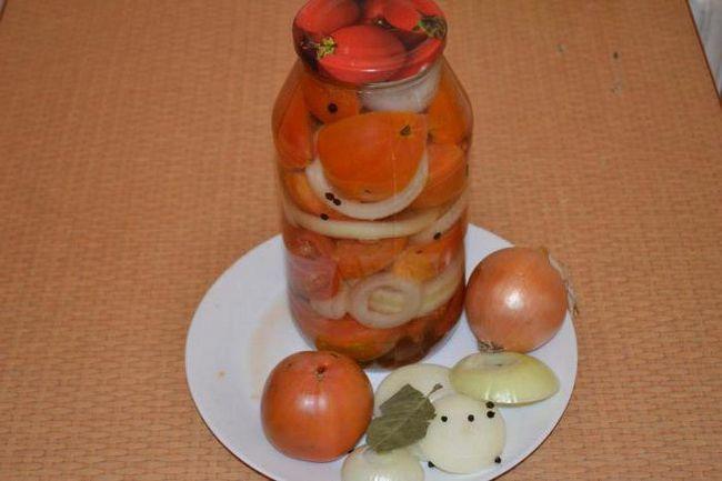 консервовані помідори з цибулею рецепт