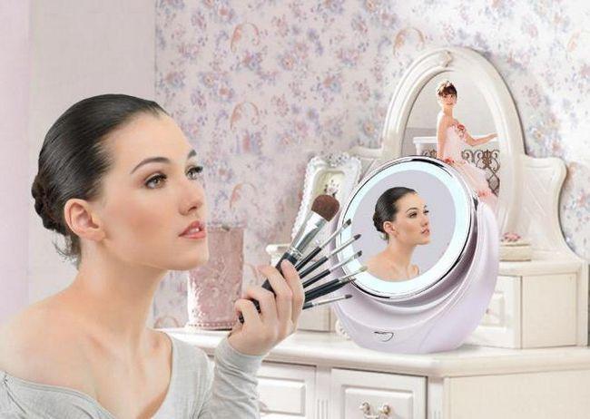Фото - Косметичне дзеркало зі збільшенням і підсвічуванням: відгуки. Косметичні дзеркала настільні та настінні