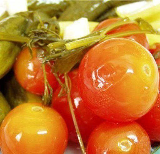Фото - Квашені помідори в каструлі на зиму. Рецепт квашених зелених помідорів в каструлі