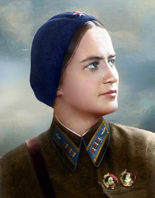 Фото - Льотчиця Марини Раскової, герой радянського союзу. Біографія, нагороди