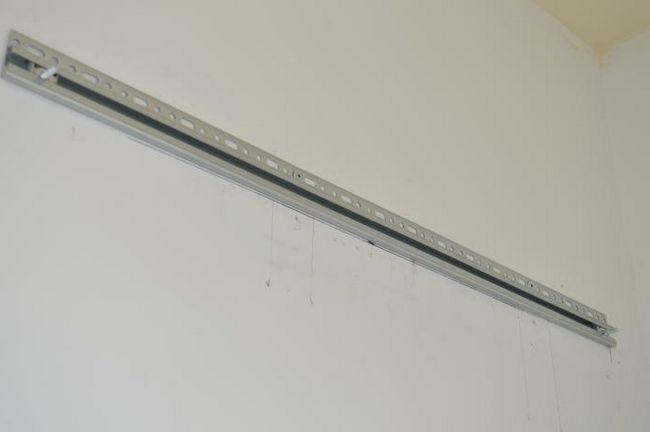 вирівнювання стін за допомогою маячків