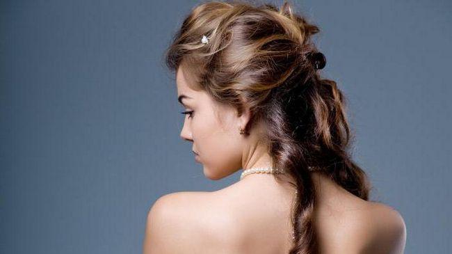 Маска для волосся в домашніх умовах медова