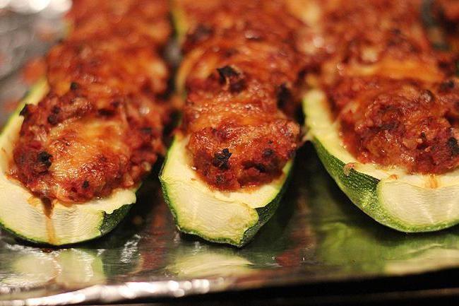 кабачки з м'ясом запечені в духовці фото