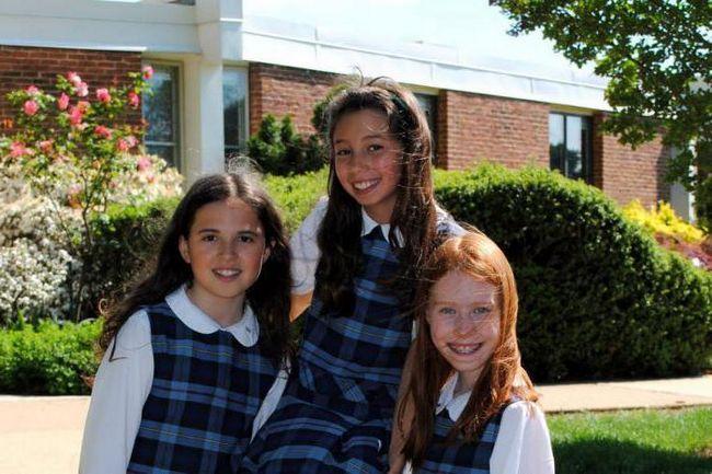 Фото - Модні фасони шкільного сукні. Як вибрати фасони шкільного сукні для старшокласниць