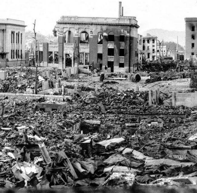 потужність бомб скинутих на Хіросіму і Нагасакі