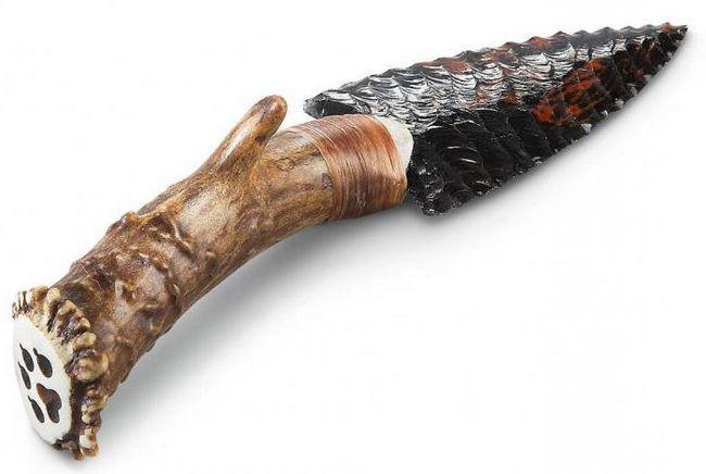 нож з рогу і вулканічного скла