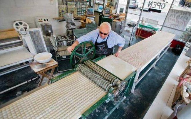 Фото - Устаткування для пельменів: виробництво, ліплення та виготовлення. Устаткування для виготовлення пельменів