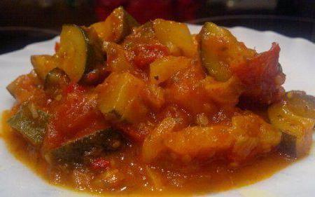 салат огірки і помідори на зиму рецепти
