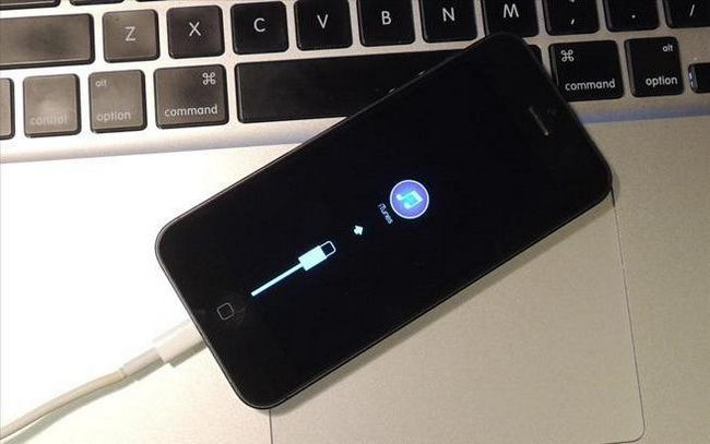 Як розблокувати айфон через iTunes