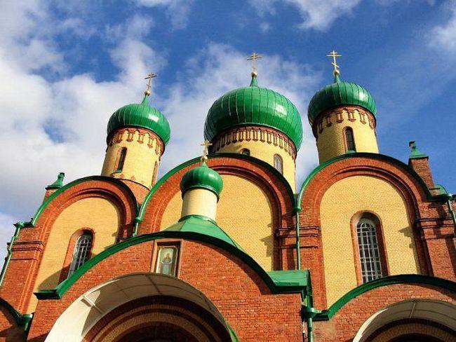 Фото - Пюхтіцкій монастир - центр православ'я в Прибалтиці