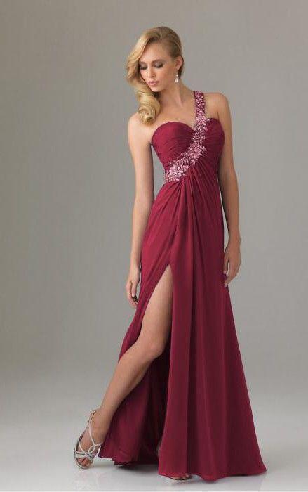 вечірнє плаття кольору марсала
