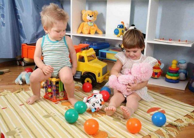 Фото - Чому дівчаткам подобаються ляльки, а хлопчикам - машинки