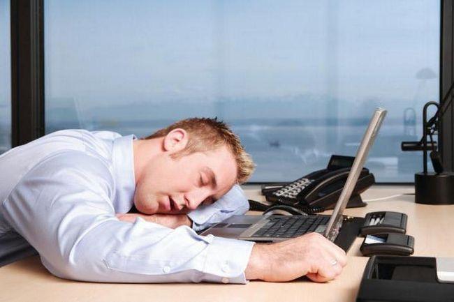 Чому постійно хочеться спати лікування