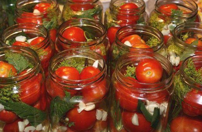 Фото - Помідори з морквяної бадиллям: кращі рецепти