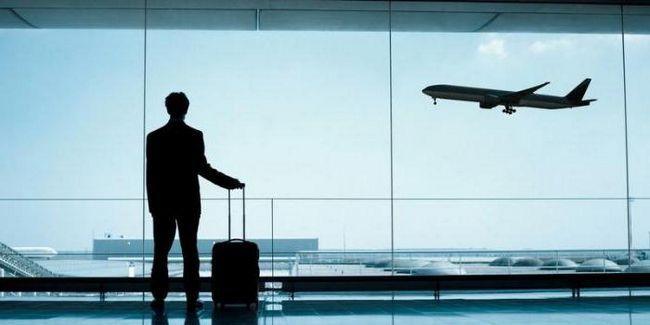 Фото - Наснилися літаки в небі: що говорить сонник? Запізнитися на літак уві сні - до чого?