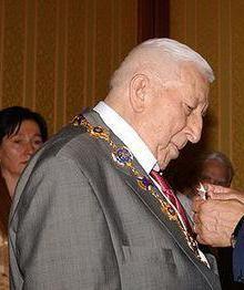 пам'ятники Расула Гамзатова