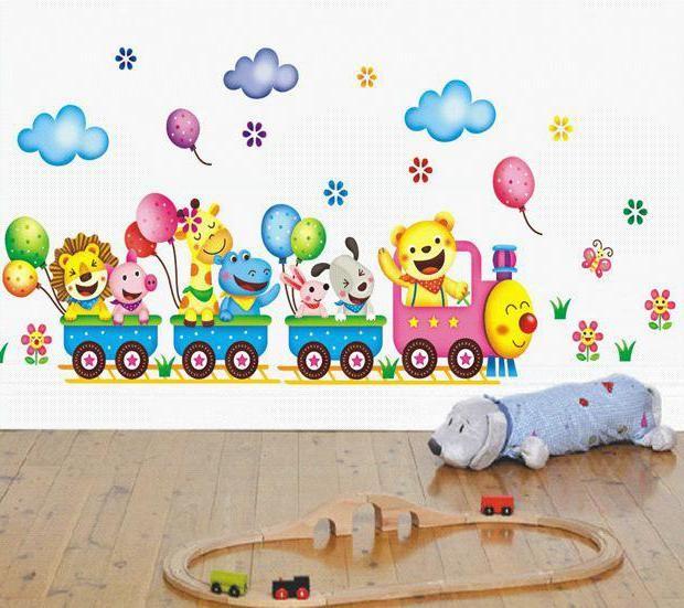 Фото - Розвиваючі малюнки на стіні в дитячому садку