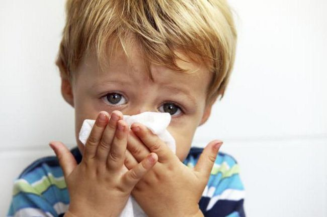 Фото - Дитина часто хворіє на простудні захворювання: що робити? Відгуки лікарів