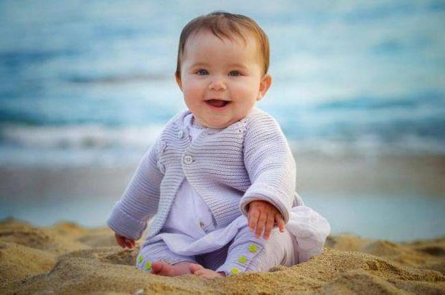 Фото - Дитина в 9 місяців: розвиток і харчування, режим і догляд. Що повинен уміти дитина в 9 місяців?
