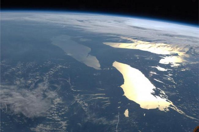 найбільше прісноводне озеро в світі назва