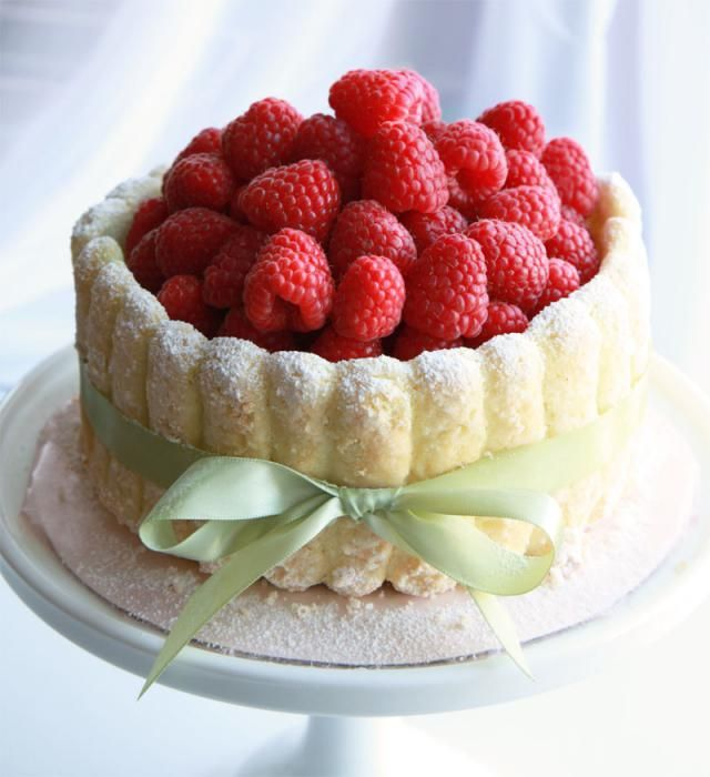 Фото - Шарлотка з ягодами, з гарбузом або яблуками? Як спекти справжню шарлотку.