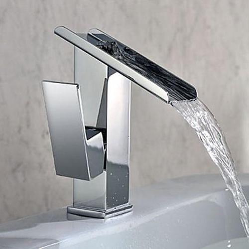 Фото - Змішувачі для раковини у ванній кімнаті: різновиди та установка