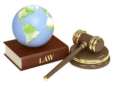 Фото - Співвідношення права і закону. Два принципових підходи