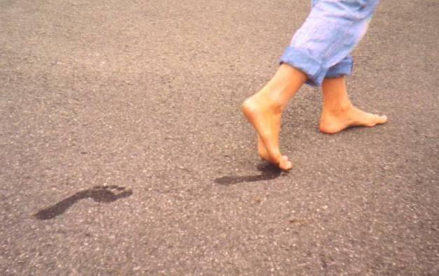 Фото - Кошти від запаху і пітливості ніг аптечні і народні. Ефективний засіб від пітливості і запаху ніг