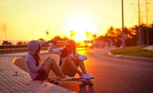 Фото - Статус зі змістом про дружбу як спосіб розповісти про себе і зрозуміти почуття його власника