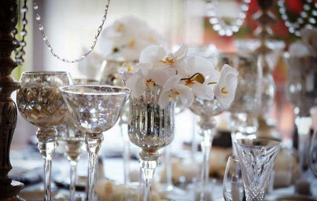 Фото - Скляне весілля - це скільки років? Що дарують на скляну весілля?